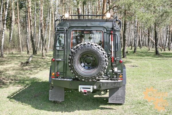 Бампер силовой задний РИФ для Land Rover Defender 90, 110 под лебедку