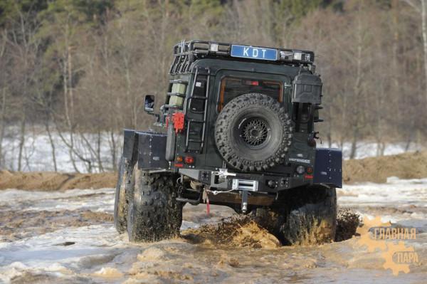 Задний силовой бампер KDT для Land Rover Defender 90/110 под лебедку
