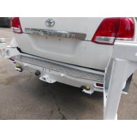 Накладка на задний силовой бампер KDT для Toyota Land Cruiser 200