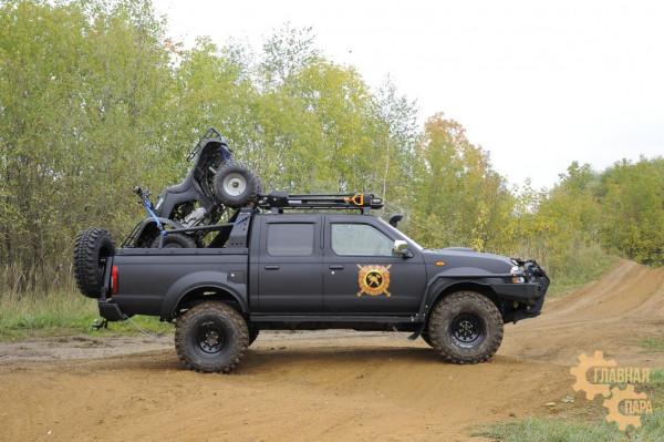 Дуга безопасности многофункциональная KDT для Nissan NP300