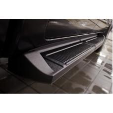 Пороги металлические на Toyota Hilux 2011-2013