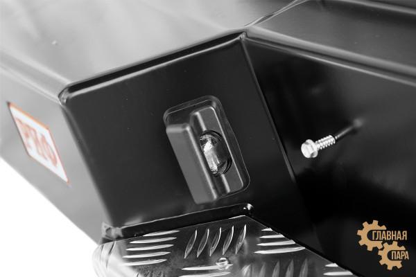 Бампер задний силовой РИФ на Isuzu D-MAX с квадратом под фаркоп и фонарями