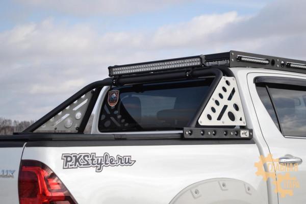 Дуга на кузов из трубы Toyota Hilux 2010+