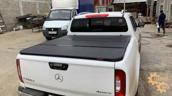 Жесткая трехсекционная крышка кузова KRAMCO для пикапа Mercedes X-Class