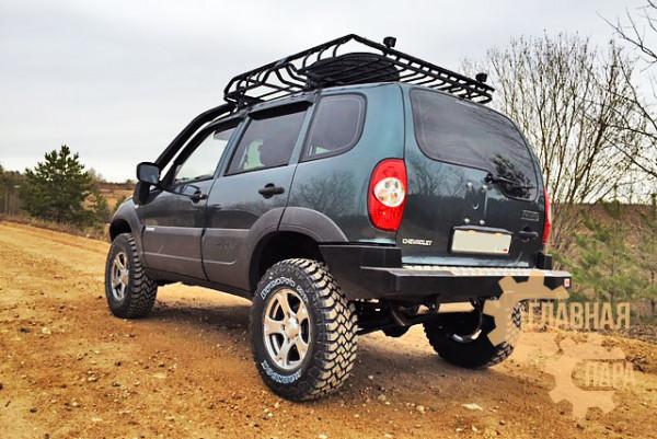 Бампер силовой задний РИФ для Chevrolet Niva с квадратом под фаркоп