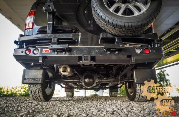 Бампер задний силовой РИФ RIF063 на УАЗ Патриот 2015+ с квадратом под фаркоп и 2-мя калитками
