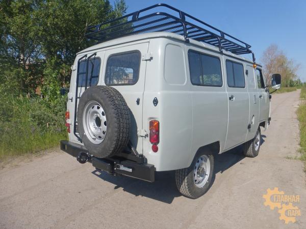 Бампер задний ц/м с кронштейном (калитка) для запасного колеса для УАЗ 2206 Санитарка