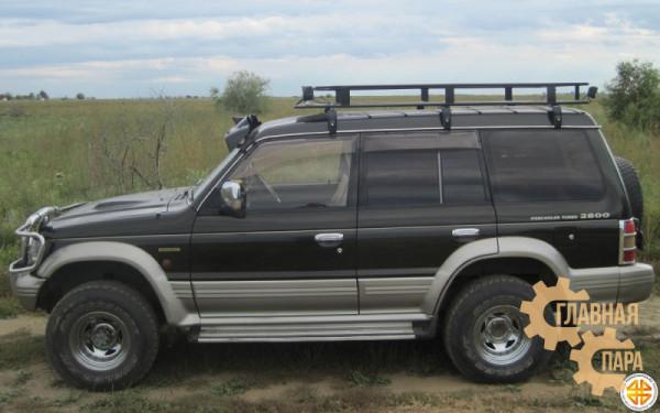 Багажник экспедиционный Б95.03 на Mitsubishi Pajero 2 (5 дв.) 2200х1250х120мм с сеткой