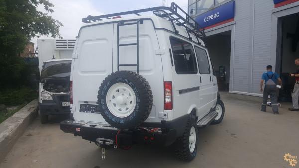 Бампер силовой задний РИФ для ГАЗ Соболь с площ. под лебёдку, квадратом под фаркоп, калиткой и фонарями стандарт